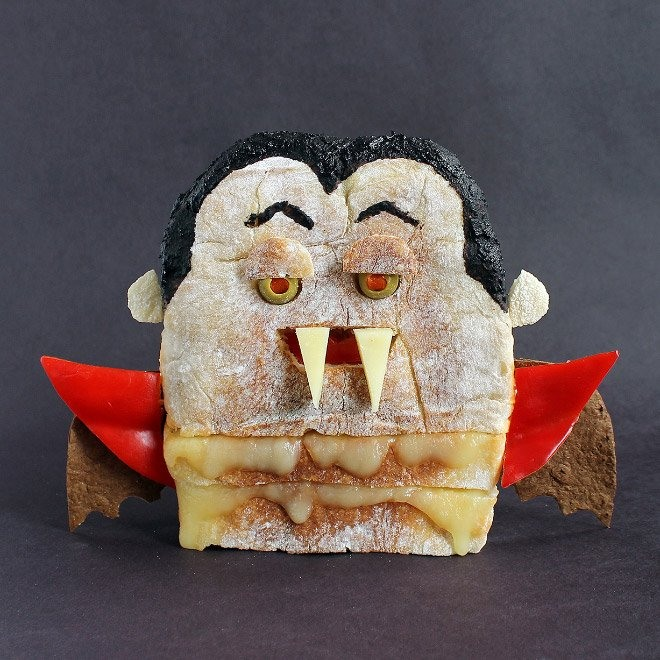 Фото прикол  про бутерброд и вампиров