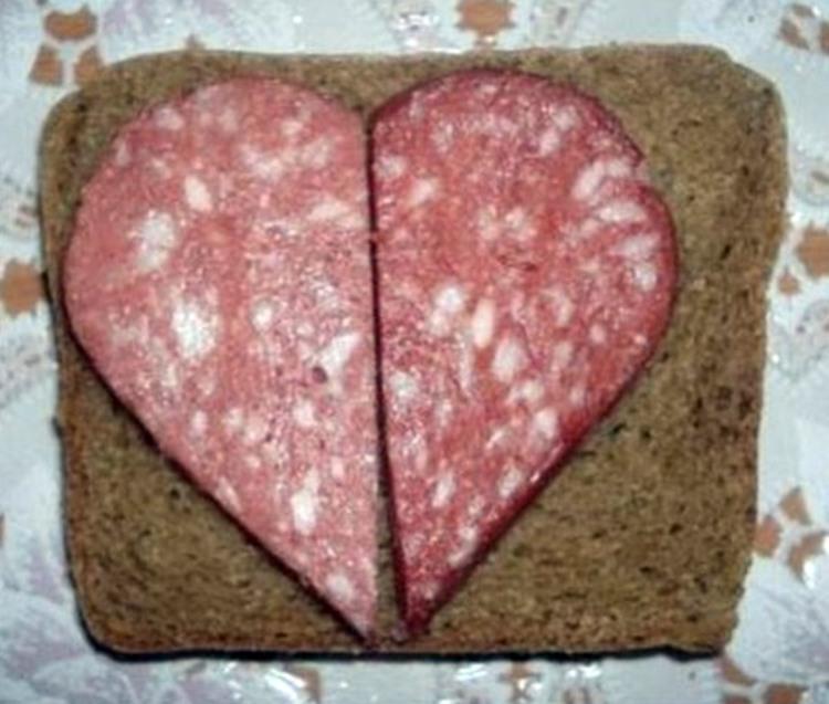 Фото прикол  про бутерброд, колбасу и валентинку