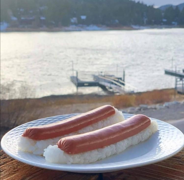 Фото прикол  про суши и сосиски