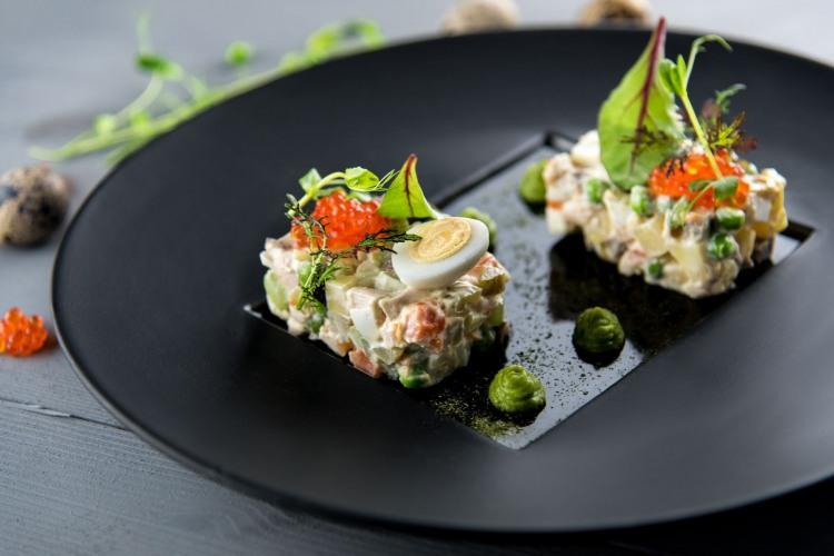 Фото прикол  про салат оливье и икру